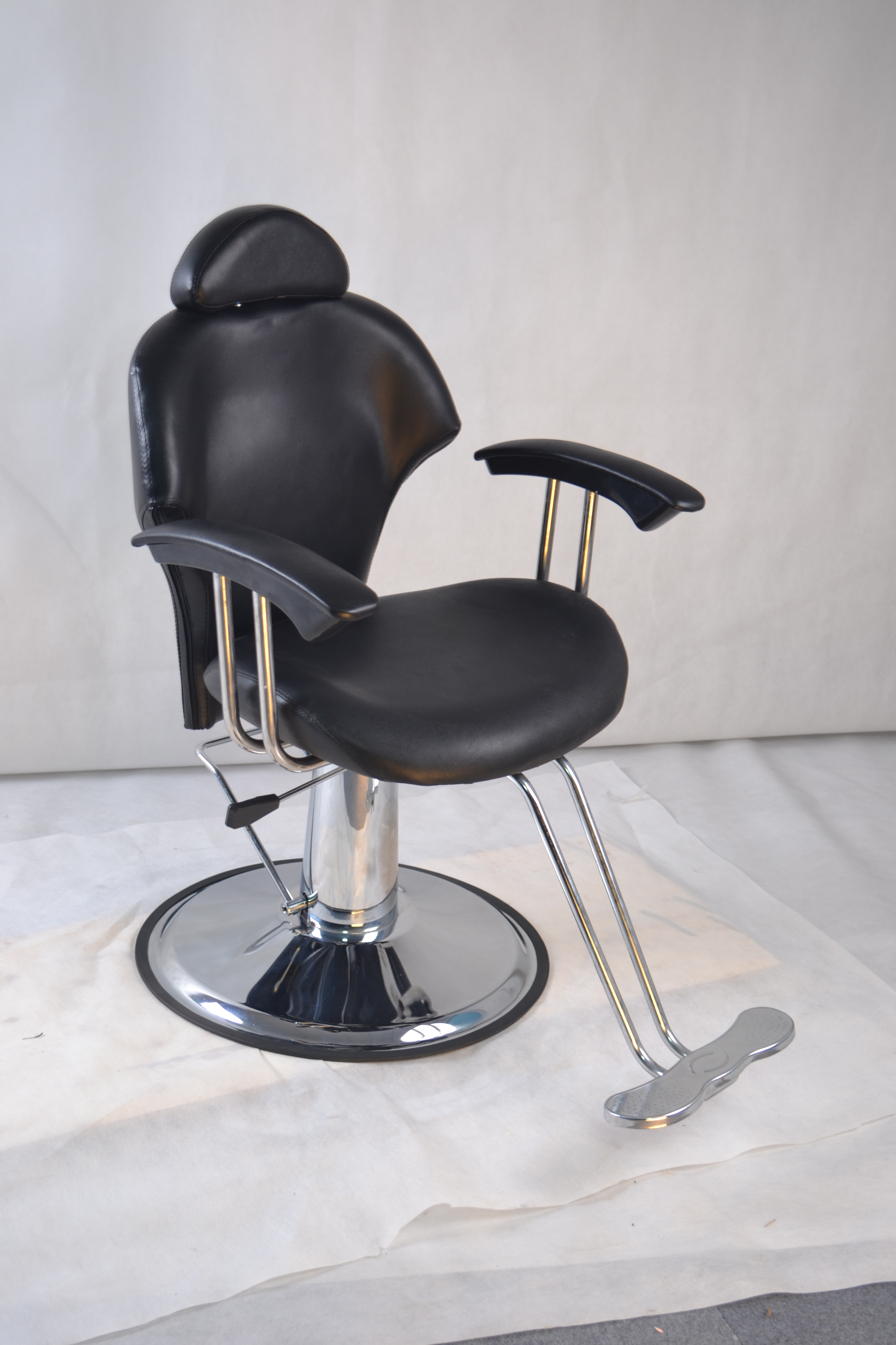 Used reclining hydraulic barber chair salon styling spa for Used salon chairs